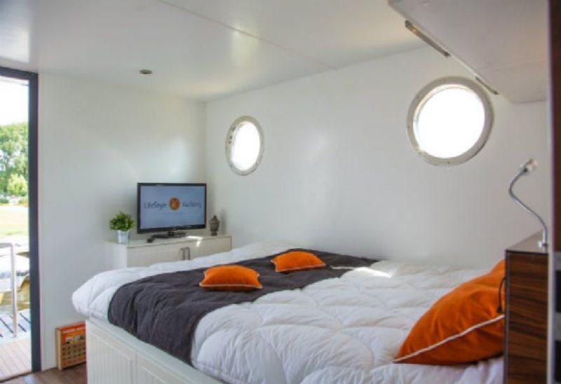 Overnachten op een Houseboat