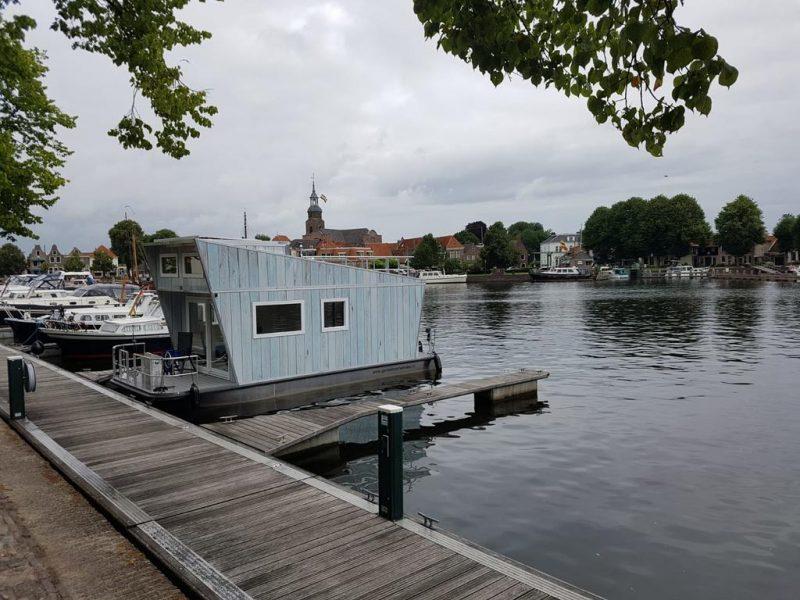 Tiny Houseboat Heeg