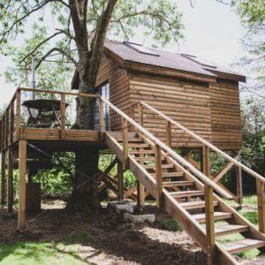 Boomhut met Sauna en Hottub