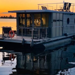 Houseboat Experience