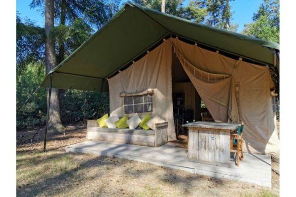 Slapen in een Safaritent met bad