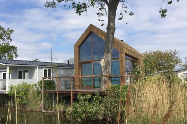 Tiny house aan het Veerse meer
